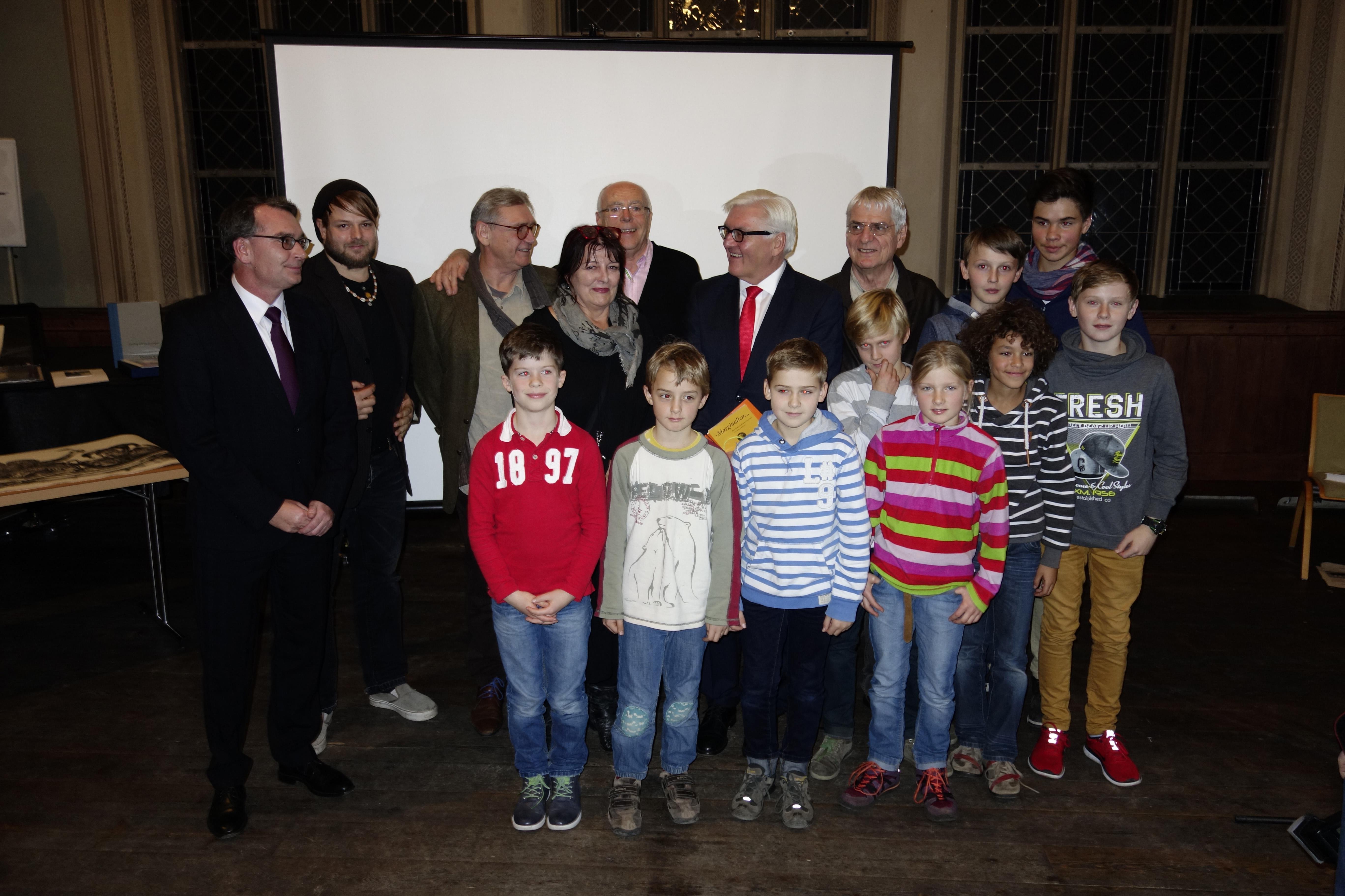 Die Bücherkinder Brandenburg mit Außenminister Frank-Walter Steinmeier