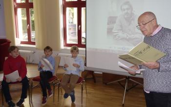 Armin Schubert war mit den Bücherkindern Brandenburg bei den Magdeburger Bibliophilen und Graphikfreunden zu Gast. | © R. Wege