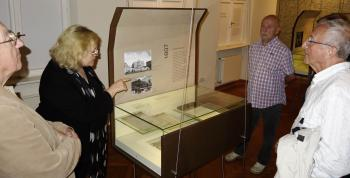 Anette Handke, stellvertretende Direktorin des Kleist-Museums, führte durch das Museum. | © R. Wege