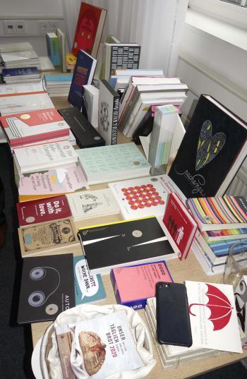 Ansehen, durchblättern, staunen - Bücher aus dem Verlag Hermann Schmidt | © R. Wege