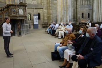 Eine grundlegende Einführung in die Geschichte des Domes, seine Architektur und historische Bedeutung gab im Kirchenschiff Claudia Wyludda.