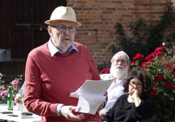Der Berliner Pirckheimer-Freund und Klopstock-Sammler Dr. Fritz Jüttner stimmte mit einem Vortrag auf den Besuch des Klopstockhauses ein.