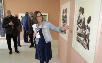 Silvia Käther, Leiterinder Garfikstiftung Neo Rauch, führte durch die aktuelle Jahresausstellung NEO RAUCH DAS FORTWÄHRENDE. Papierarbeiten 1989 – 1995.