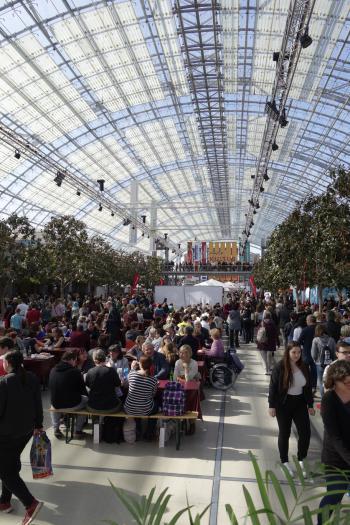 208.000 Besucher der Leipziger Buchmesse 2017 tummelten sich laut Veranstalter auf dem Messegelände.