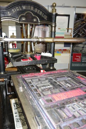 In Halle 3 wurde vom Hand gedruckt.