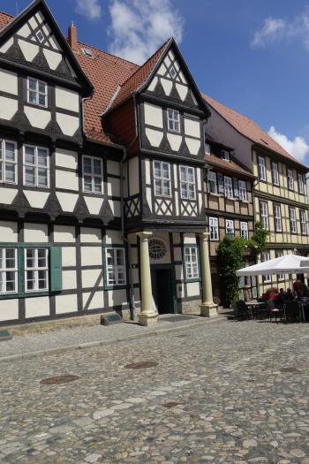 Das Geburtshaus des Dichters Friedrich Gottlieb Klopstock (1724 - 1803) wurde etwa um 1560, in der Blütezeit des niedersächsischen Fachwerkstils gebaut. Seit 1899 ist es Museum. Es war der erste Anlaufpunkt für die Exkursion der Halleschen Pirckheimer.
