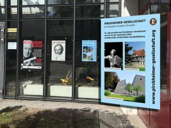 Das Plakat zum Jahrestreffen am Eingang des Gleimhauses in Halberstadt und vergrößert | © S. Uftring
